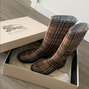 Burberry snow/rain boots